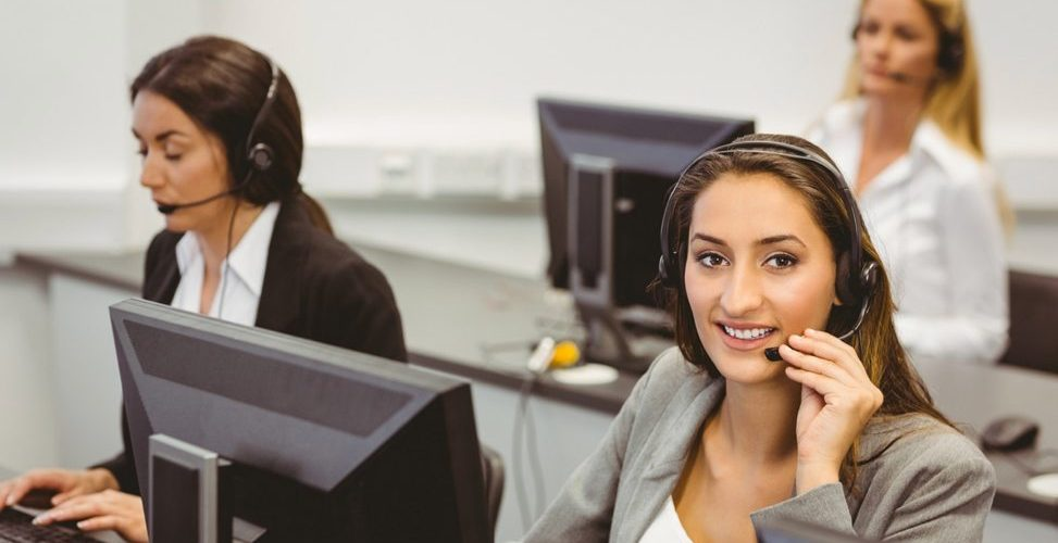 3-women-at-call-centre