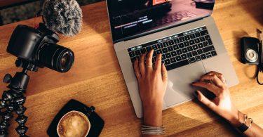 Free-Online-Video-Maker-Review-FlexClip