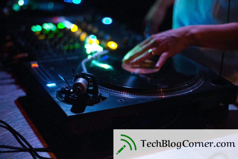 Choose the Best DJ Equipment