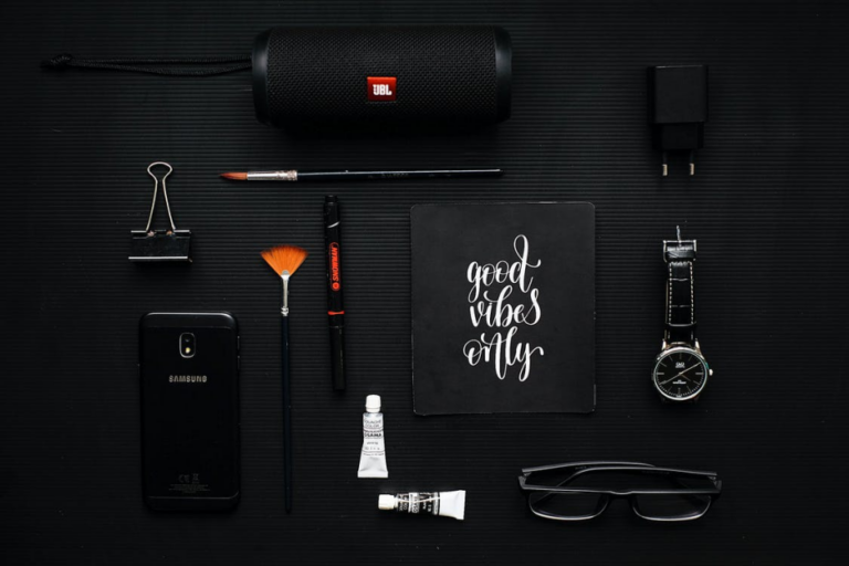 Gadgets Every Entertainment Lover Must Buy to Kill Boredom